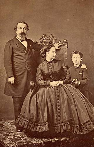 La Famille impériale : Napoléon III, l'Impératrice Eugénie et le prince  Impérial. - napoleon.org