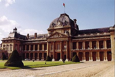 Ecole militaire  et Champ-de-Mars – Paris