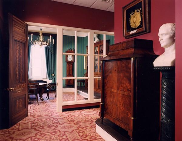 Hall traversant de l'Athenaeum © PhilaAthenaeum.org