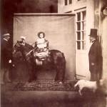Photographie : Le Prince impérial sur son poney, posant pour le photographe
