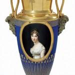 Vase orné du portrait de la reine Hortense