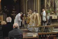 Le Très Révérend Père-abbé, Monseigneur Cuthbert Brogan et les moines bénédictins