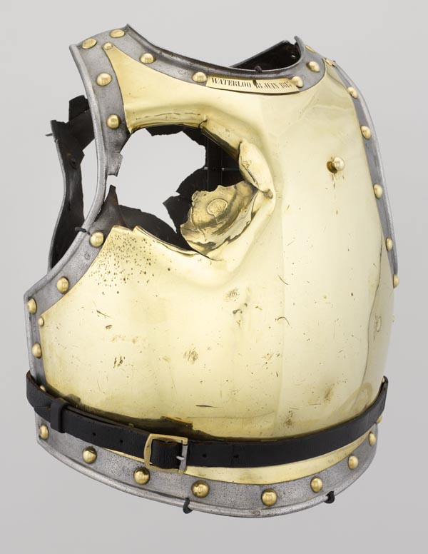 Cuirasse de carabinier provenant du champ de bataille de Waterloo