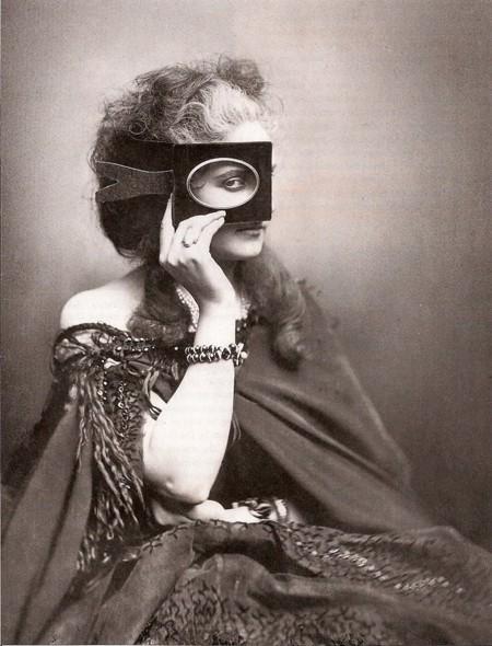 Photographie : Scherzo di Follia (un portrait photographique de la comtesse de Castiglione)