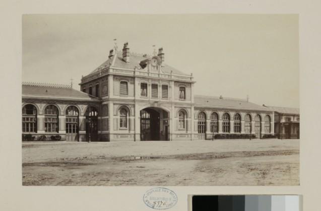 Photo de la gare de Vichy © Beaux-Arts de Paris, Dist. RMN-Grand Palais - image Beaux-arts de Paris