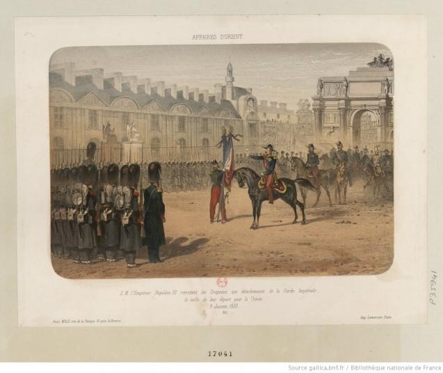 S. M. l'Empereur Napoléon III remettant les Drapeaux aux détachements de la Garde Impériale, à la veille de leur départ pour la Crimée. 9 Janvier 1855, Estampe ©BnF/Gallica ark:/12148/btv1b53020619j/