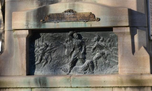Bas-relief en bronze illustrant l'ultime combat du capitaine Anglade et de ses hommes à Woerth le 6 août 1870 <br>© Commune de Figeac. Photo : Stéphane Caray