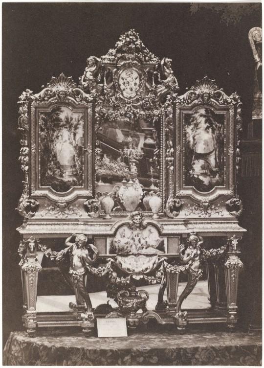 Exposition universelle de 1855 serre-bijoux de la maison Fossey, André-Adolphe-Eugène Disdéri (atelier de) © RMN-Grand Palais (domaine de Compiègne) - René-Gabriel Ojéda