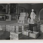Évacuation des œuvres du musée du Louvre 1939 : le Prince impérial et son chien Néro